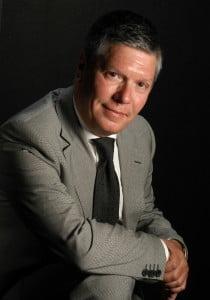 Sr. Carlos Chacón Pérez