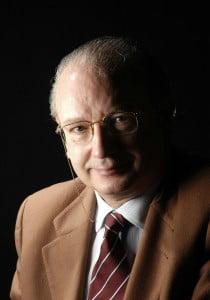 Dr. Fermín Aramburo Hostench
