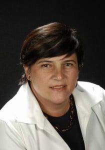 DRA. M. CRISTINA MANZANARES CÉSPEDES