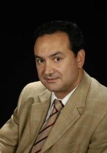 DR. CÉSAR ROMERO MENOR