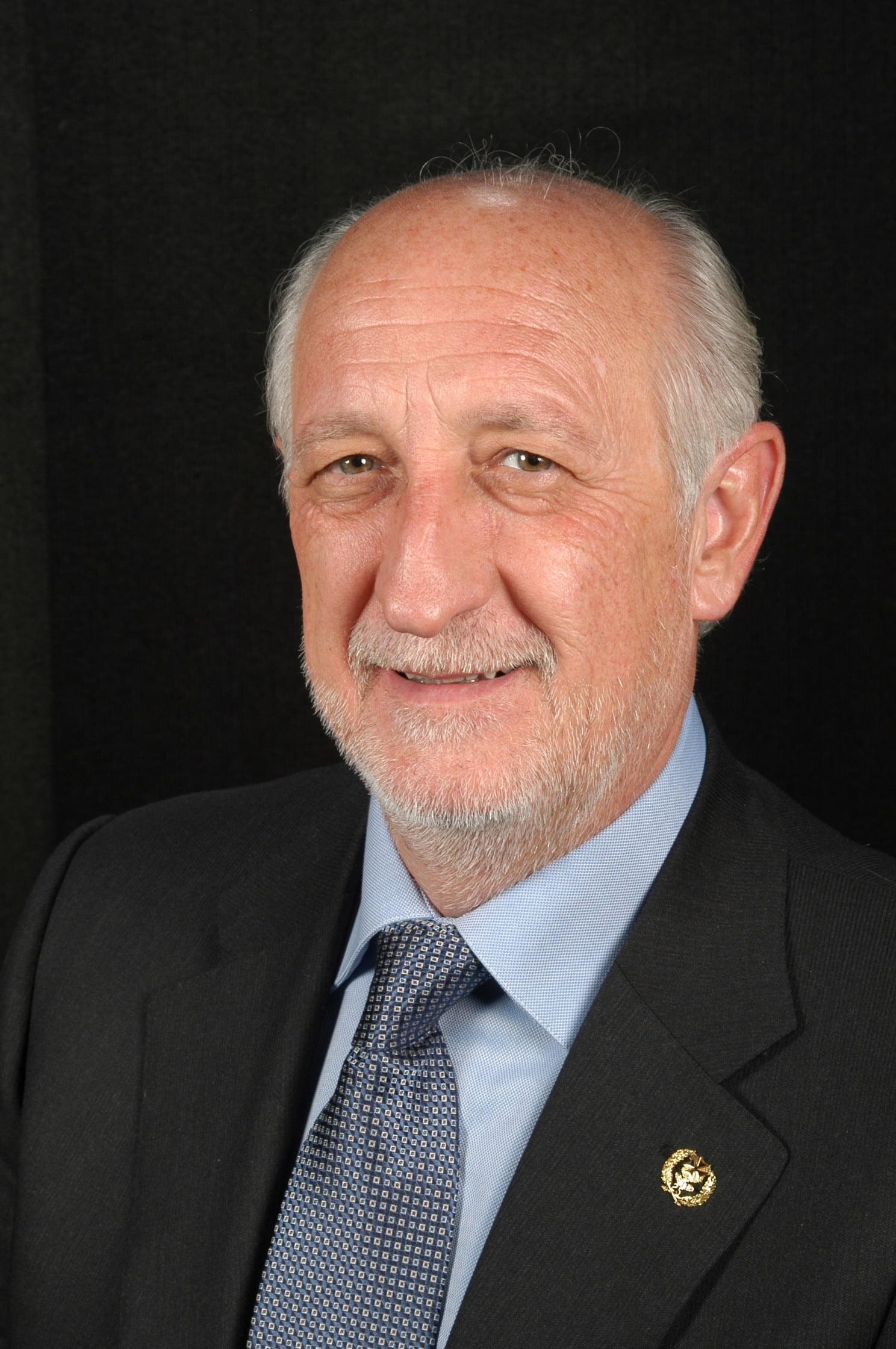 Sr. Bernardo Coslado García