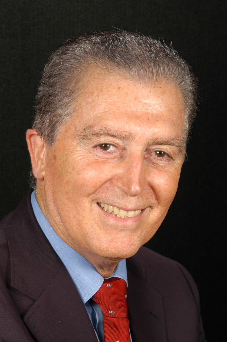Sr. Carles Martí Sousa