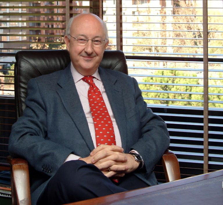 Sr. Gustavo Ron García