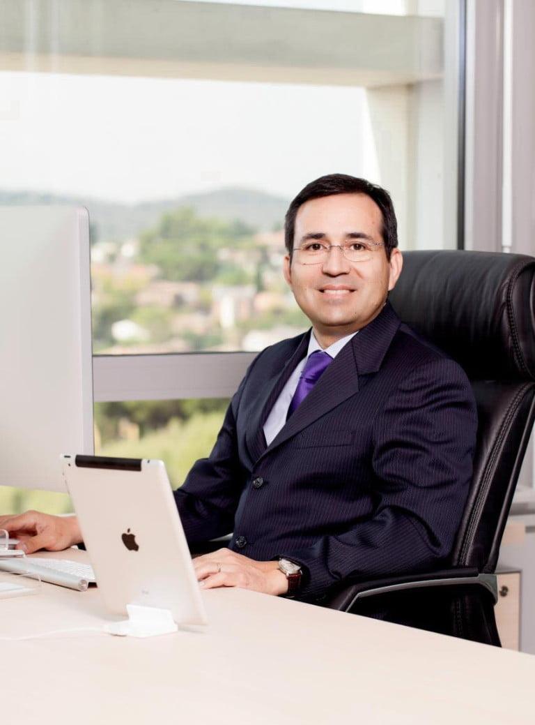 Sr. Héctor Velásquez Estay