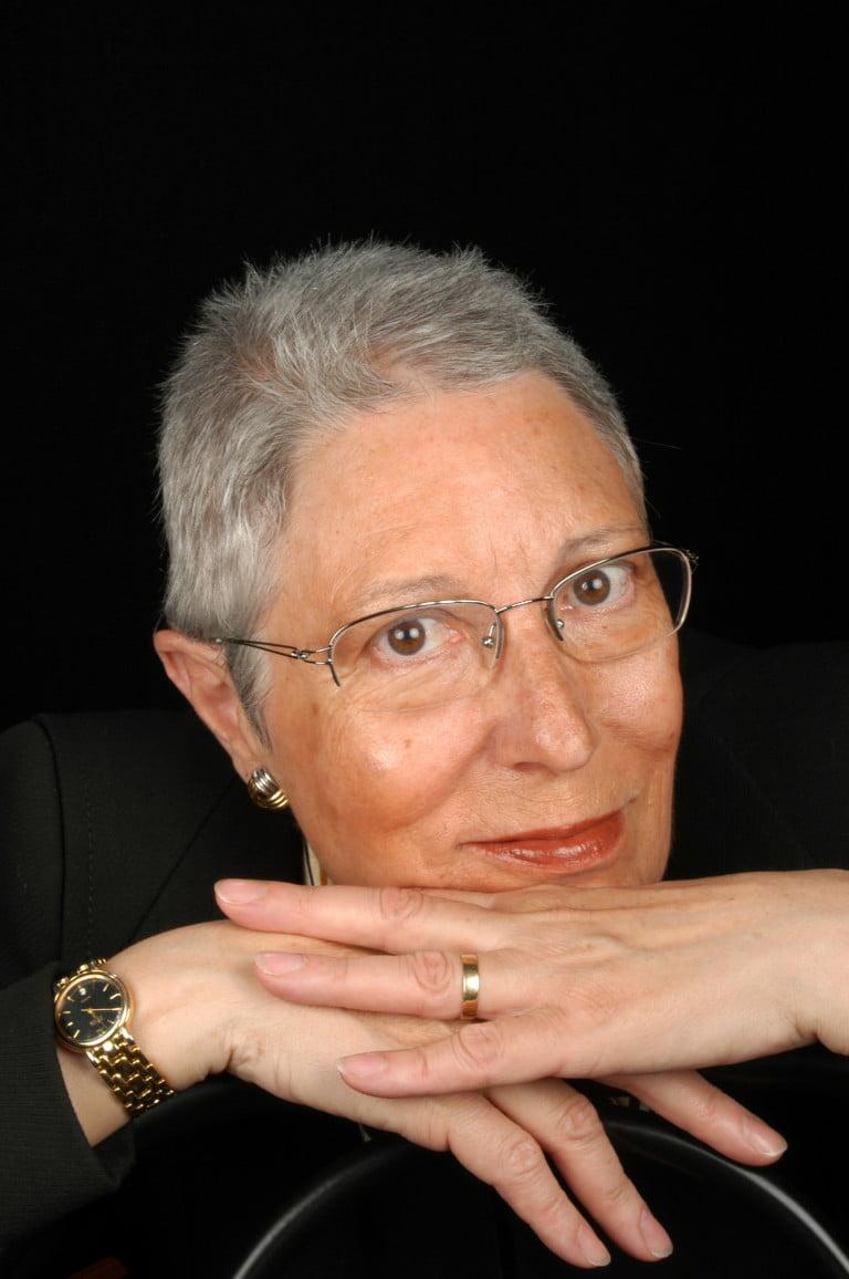 Sra. Neus Cabré
