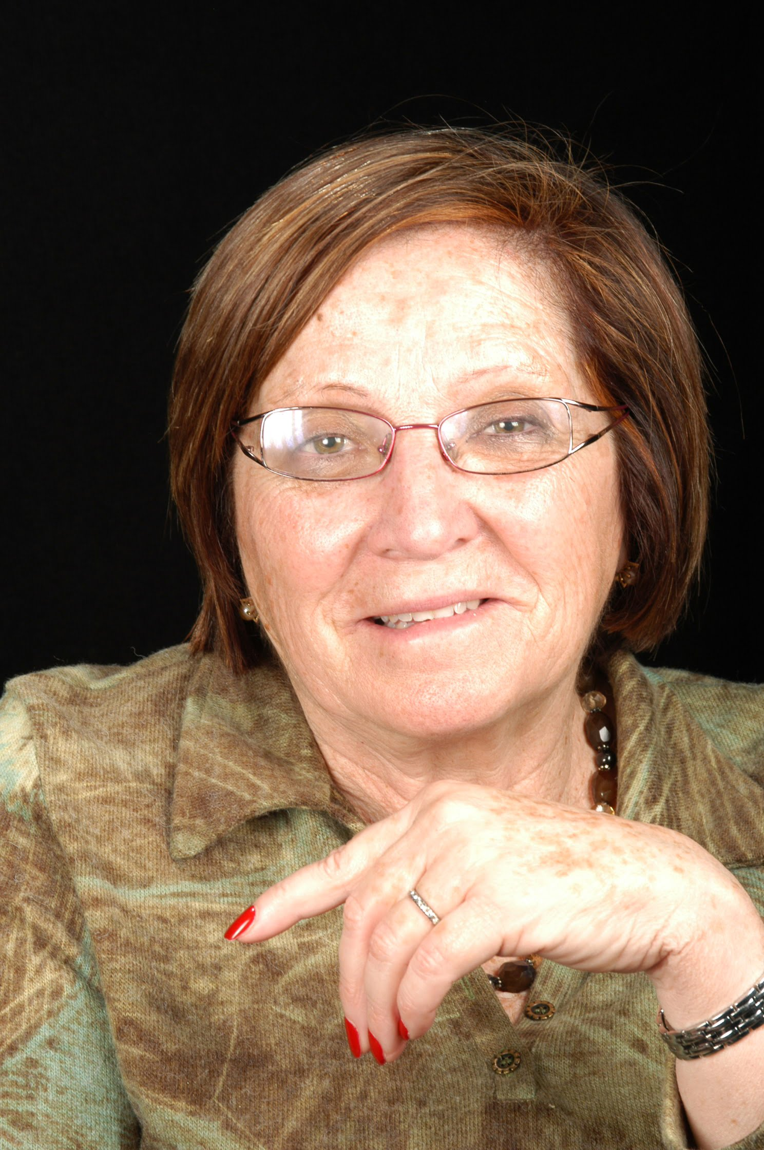 Sra. Montserrat Clavell i Figueras