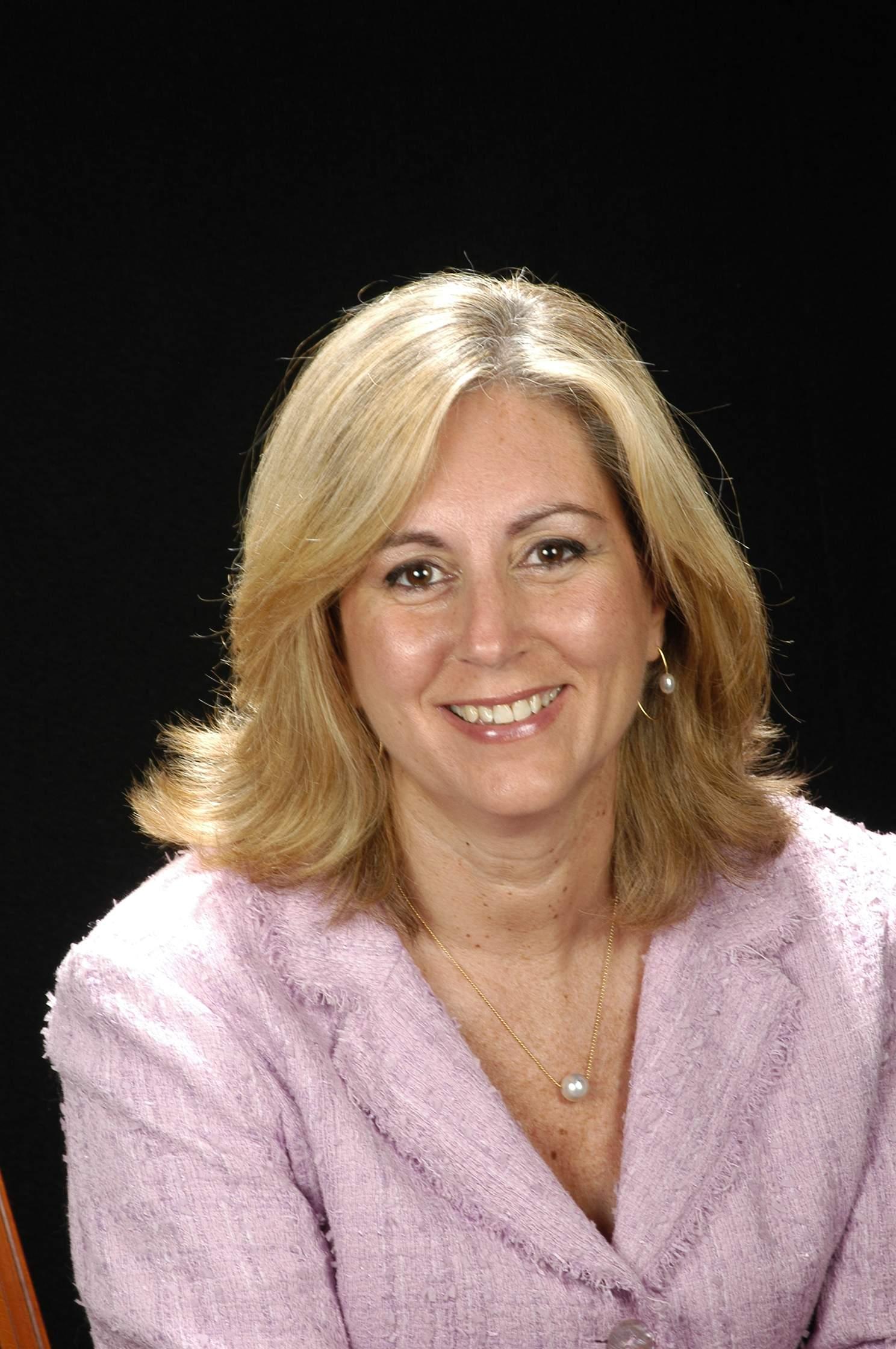 Sra. Teresa Bassons Boncompte