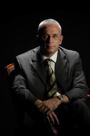 Dr. Carles Besses Raebel