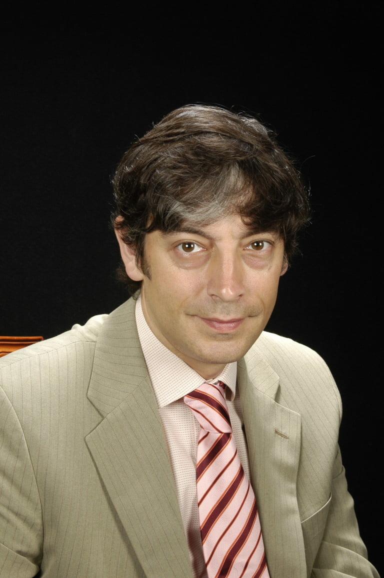 Dr. Carlos Buesa Arjol