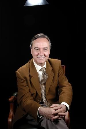 Dr. Salvador Bayona Areñas