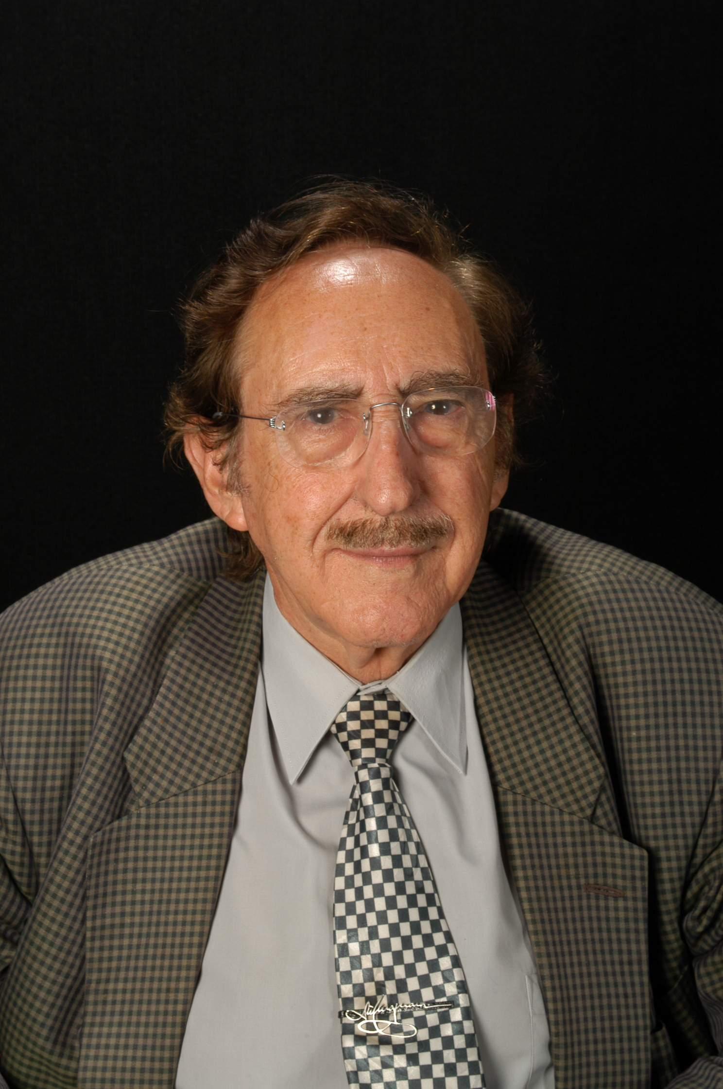 Dr. Josep Casajuana i Gibert