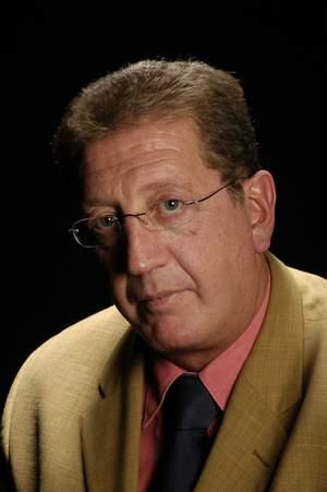 Dr. Roger Costa Carreras