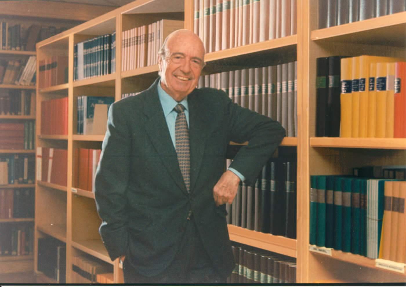 Dr. Josep Esteve