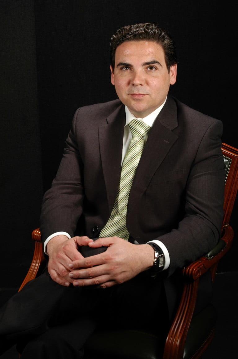 Dr. Daniel Marín de la Cruz