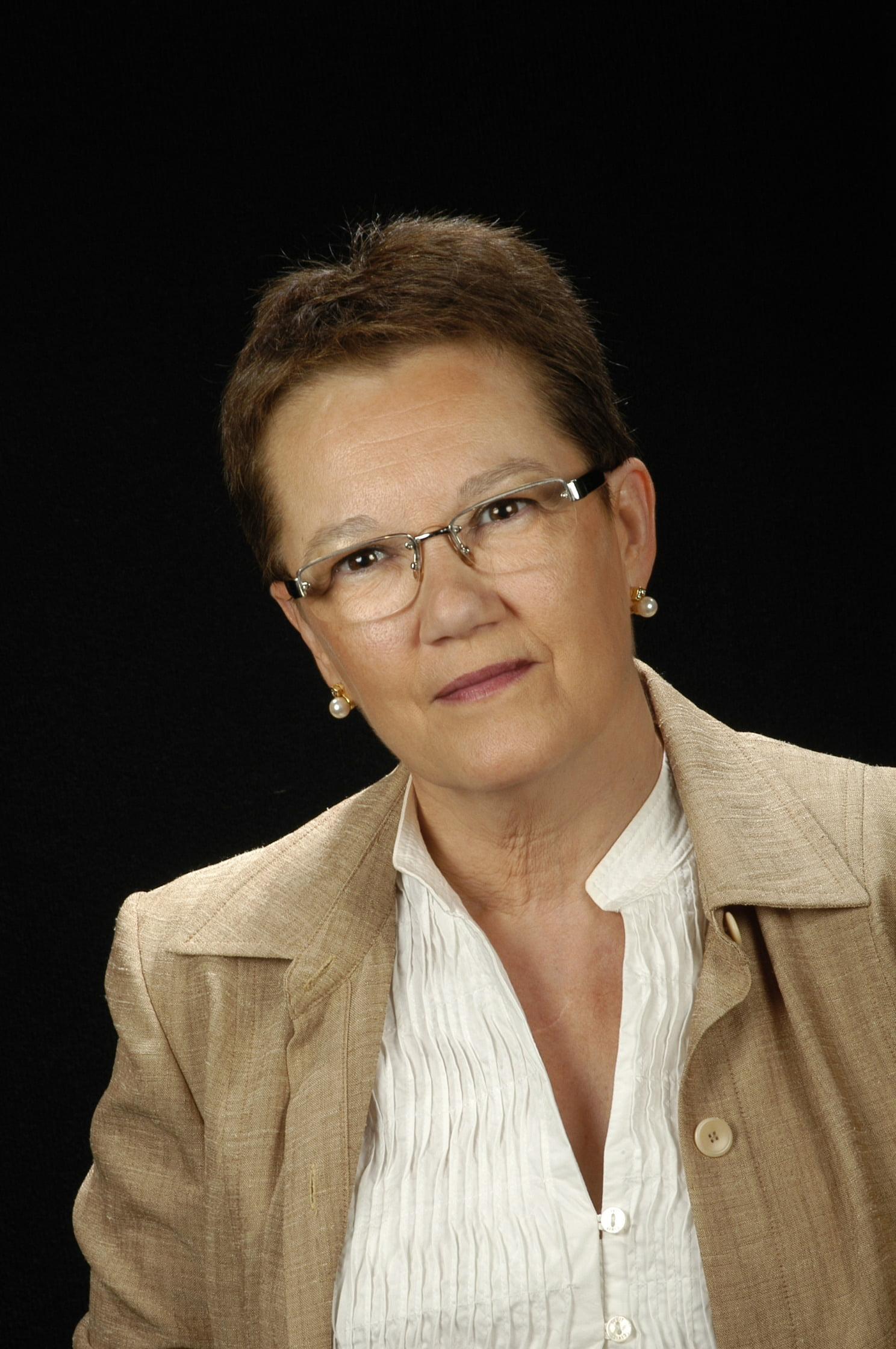 Sra. Júlia Esteve Reig