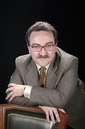 Dr. Ferran García José