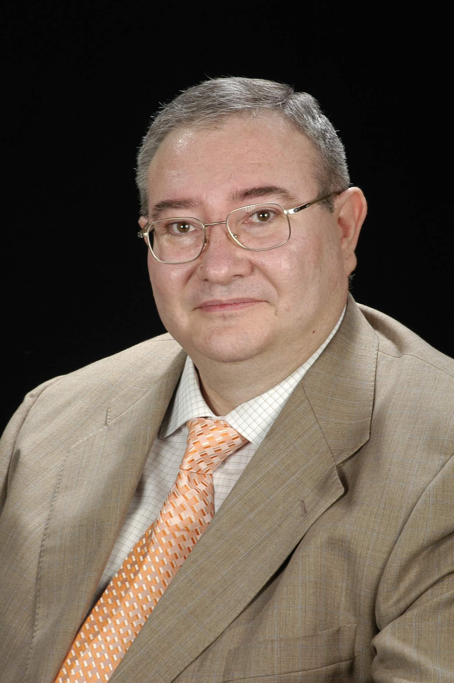 Dr. Ferran J. García