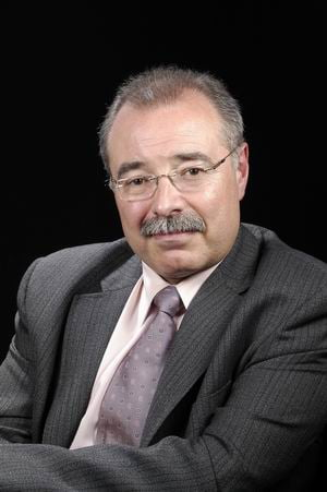 Dr. Robert García Mas