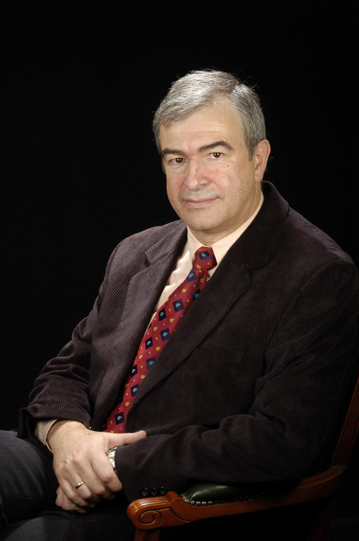 Dr. Buenaventura Guamis López