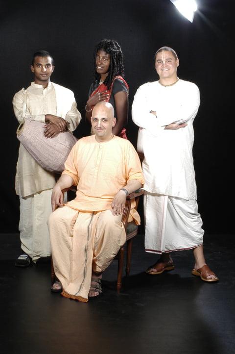 Sr. Gundicha Dast et alia