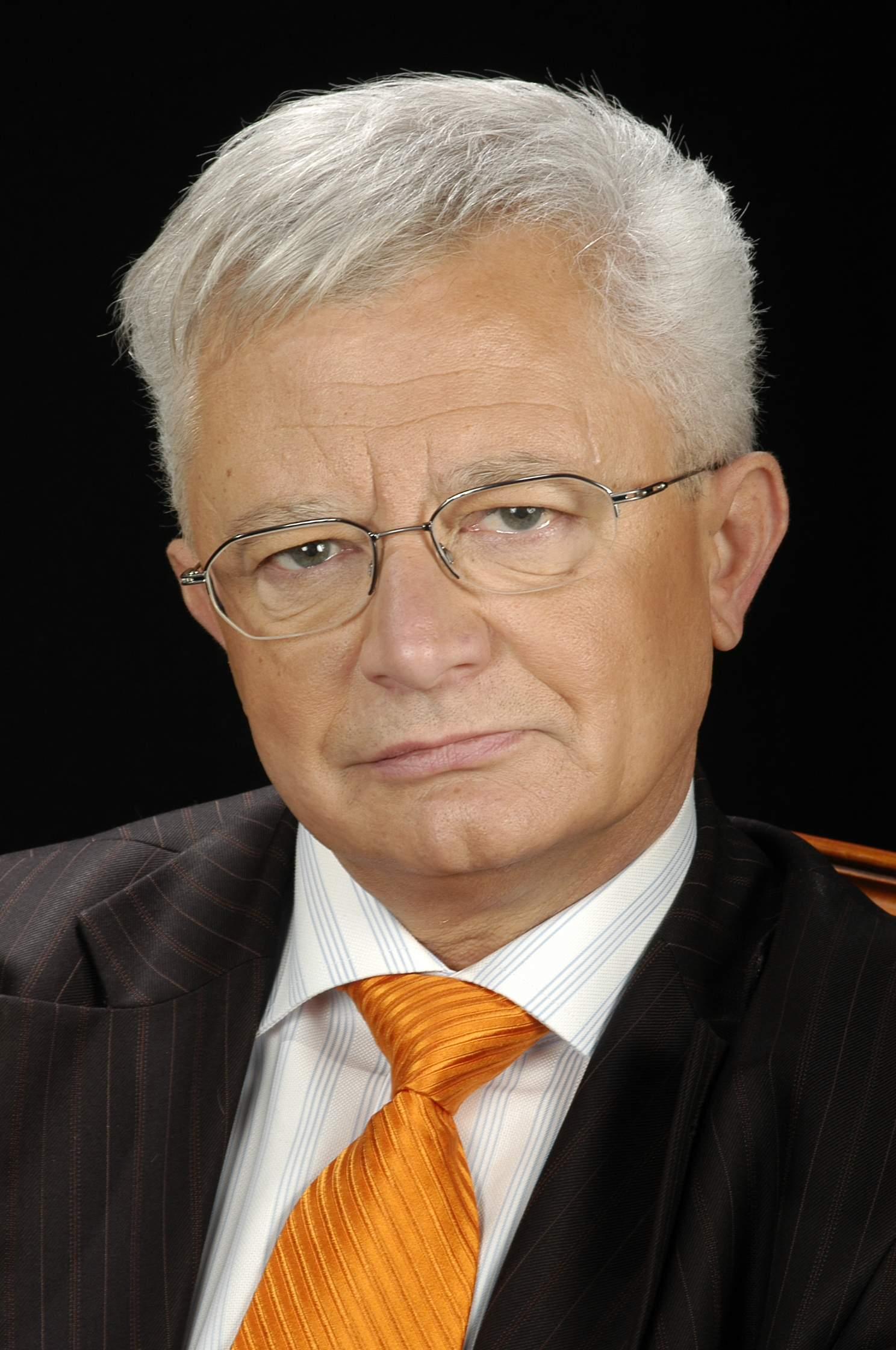 DR. SALVADOR JOSA BULLICH