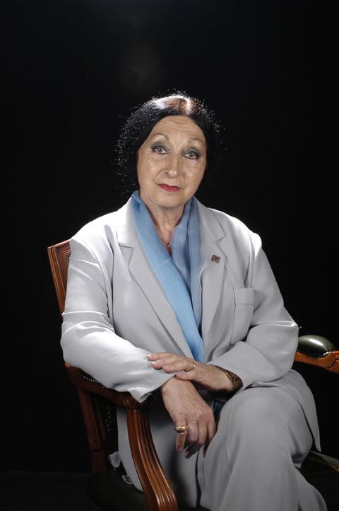 Sra. Mirna Lacambra Domènech