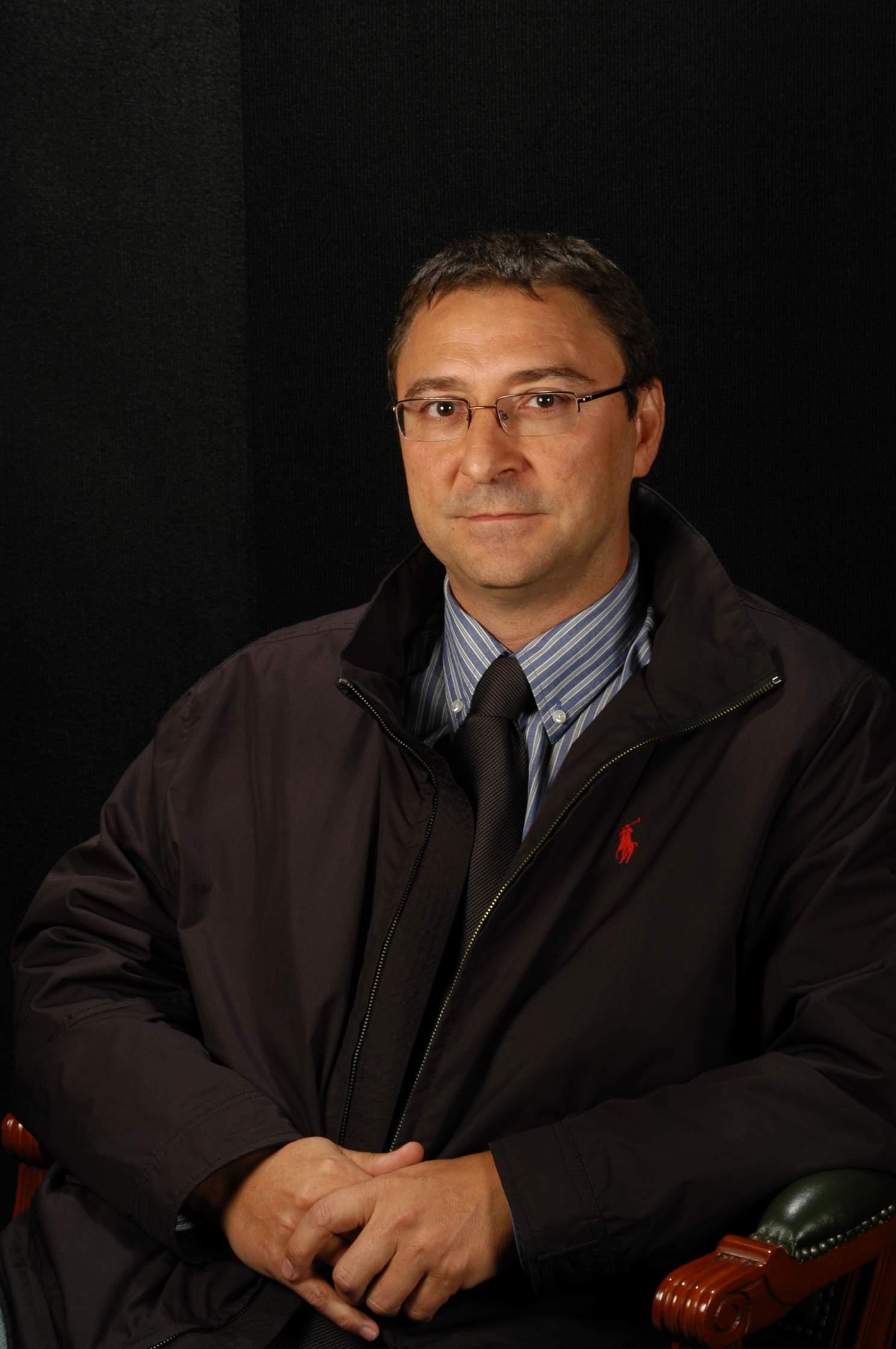 Sr. Rafael Madueño Real
