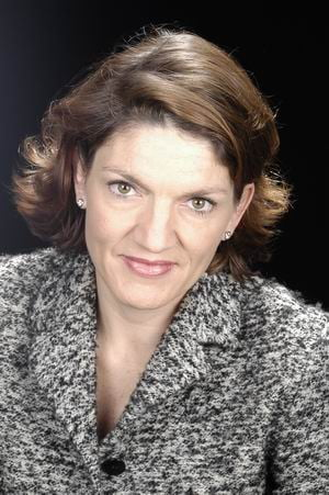 DRA. LEILA CATHERINE ONBARGI