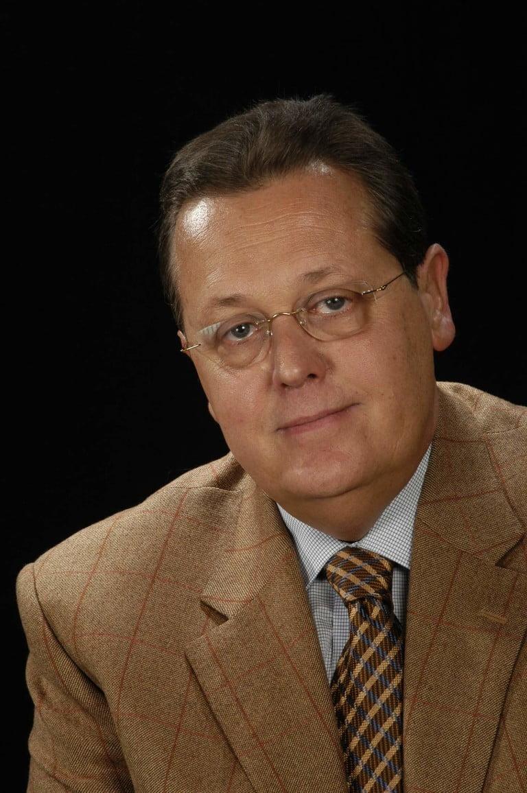 DR. XAVIER PUNCERNAU FOLCH