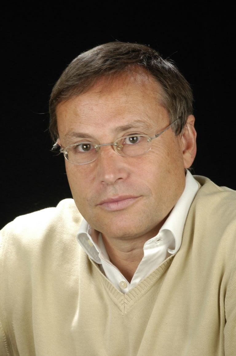 Dr. Javier Retana Alumbreros