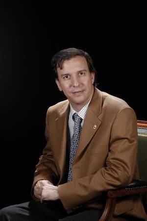 Dr. Gabriel Simón Solano