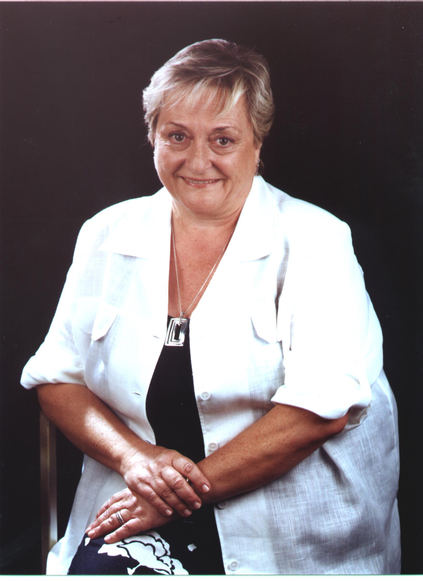 Sra. M. Lluïsa Ferrer Martinez