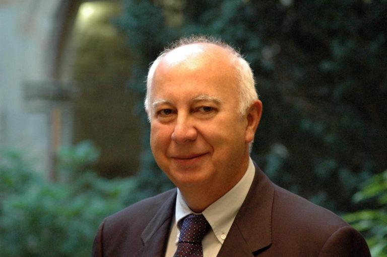 Dr. Juan J. Casares Long