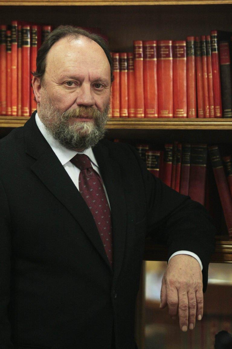 Dr. Francisco González Lodeiro