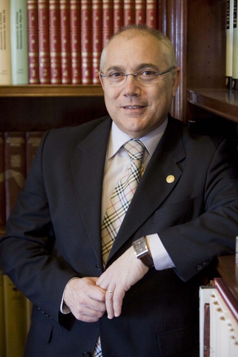 Dr. Juan Juliá Igual