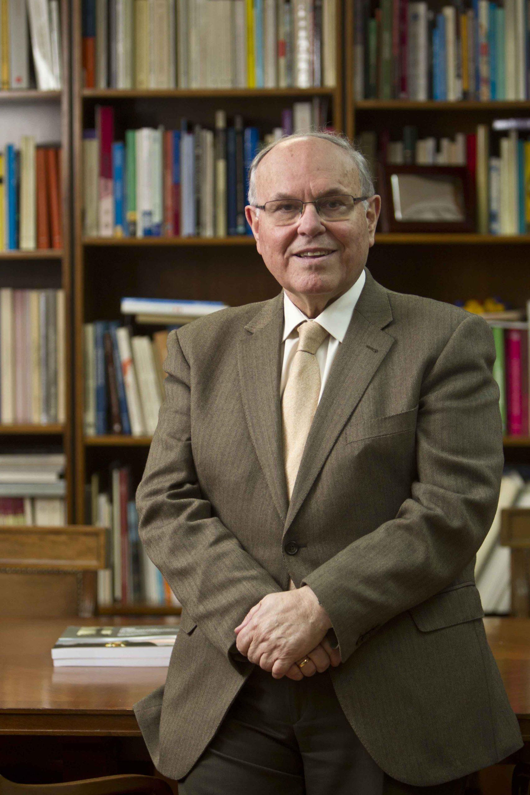 Dr. César Nombela Cano
