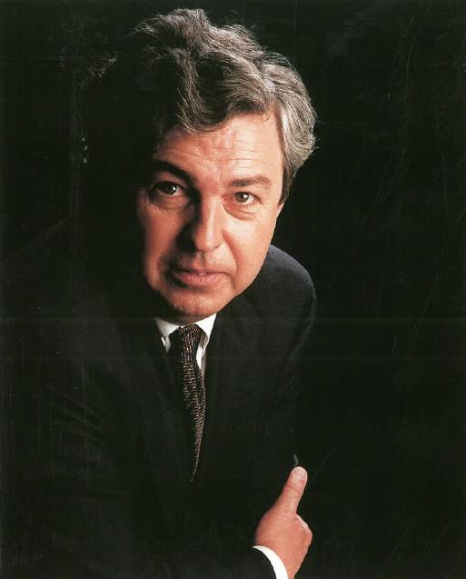 Sr. Enrique Usobiaga