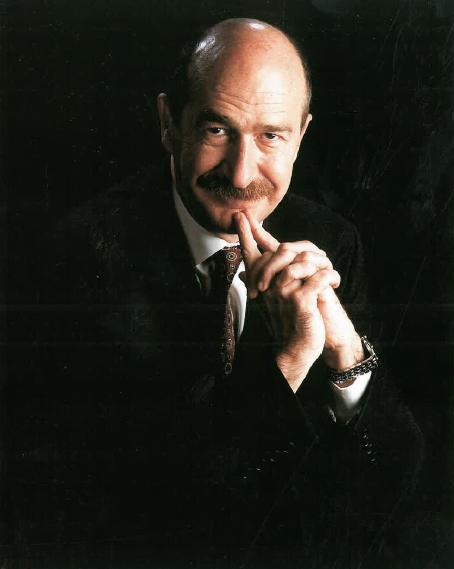 Sr. Fernando Mínguez Ricart